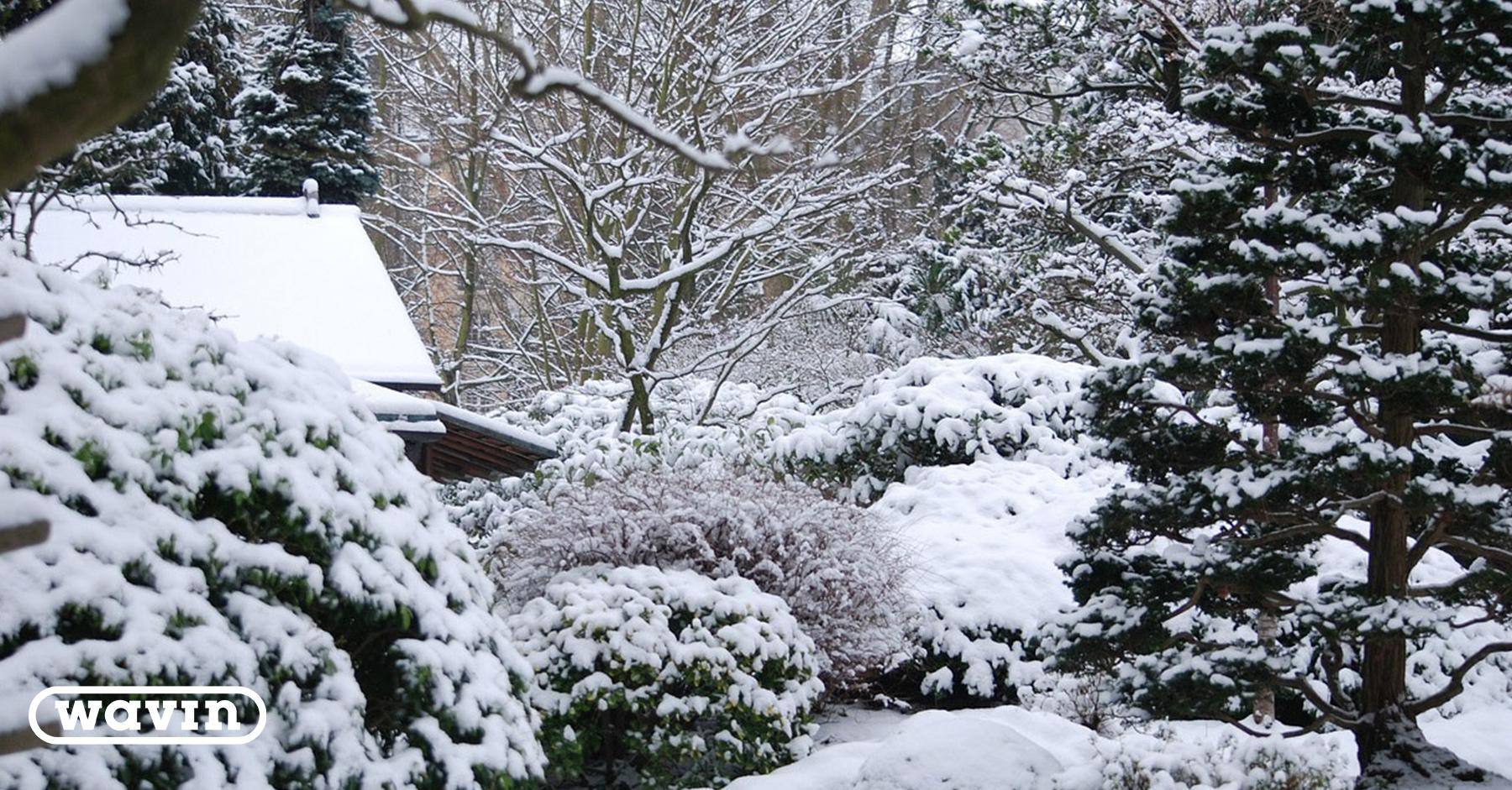 Jätevesiremontin voi tehdä myös talvella. Usein pihan vauriot jäävät pienemmiksi talvisaikaan.